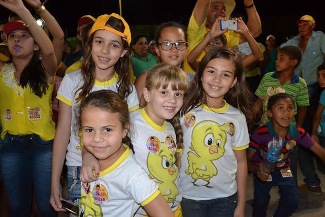 http://folhaatual.com.br/galeria/eventos/camp16caldeiao/DSC_1024.JPG