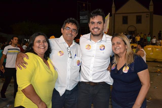 http://folhaatual.com.br/galeria/eventos/camp16caldeiao/DSC_1128.JPG