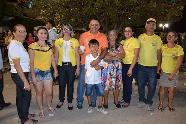 http://folhaatual.com.br/galeria/eventos/camp16caldeiao/DSC_1137.JPG