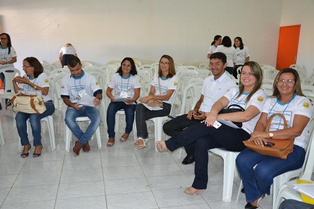 http://folhaatual.com.br/galeria/eventos/confsimoes15educa/DSC_2049.JPG